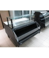 Refrigerated Salad / Sandwich Prep Table with glass lid